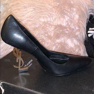 YvesSaintLaurent OPYUM pump (black) with gold heel